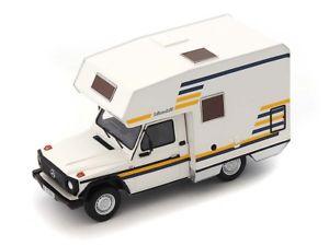 【送料無料】模型車 モデルカー スポーツカー カルトメルセデスモデルハスキーホワイトautocult mercedes gmodel bimobil husky 1984 white 143 atc09006