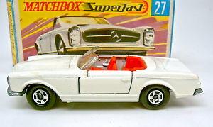 【送料無料】模型車 モデルカー スポーツカー マッチメルセデスボックスmatchbox sf nr 27a mercedes 230sl wei rote einrichtung in h box
