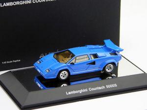 【送料無料】模型車 モデルカー スポーツカー ランボルギーニlamborghini countach 5000s blau blue 143 autoart