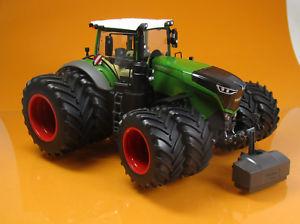 【送料無料】模型車 モデルカー スポーツカー デュアルタイヤスケールトターwiking 077830 traktor fendt 1050 vario mit zwillingsreifen scale 1 32 neu ovp
