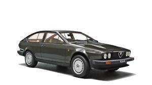 【送料無料】模型車 モデルカー スポーツカー アルファロメオシリーズグレーalfa romeo gtv 6 25 1980 1 serie grey laudoracing 118 lm110a