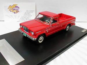 【送料無料】模型車 モデルカー スポーツカー #カイザージープglm 109701 kaiser jeep j3000 townside baujahr 1962 in rot 143