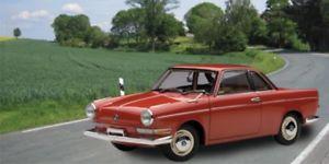 【送料無料】模型車 モデルカー スポーツカー スポーツクーペスペインショットautoart bmw 700 sport coupe spanischrot 118 70652