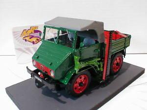 【送料無料】模型車 モデルカー スポーツカー メルセデスベンツダークグリーンschuco 08958 mercedes benz unimog 2010 u401 bj 195156 in dunkelgrn 132