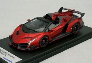 【送料無料】模型車 モデルカー スポーツカー ランボルギーニロードスターロッソlamborghini veneno roadster rosso veneno looksmart ls429a 143
