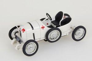 【送料無料】模型車 モデルカー スポーツカー ホワイトドライブaustro daimler sascha 1922 weiss 143 fahrtraum neuovp
