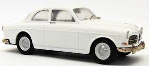 【送料無料】模型車 モデルカー スポーツカー モデルスケールモデルカーホワイトボルボアマゾンsomerville models 143 scale model car 124 1962 volvo amazon white unboxed