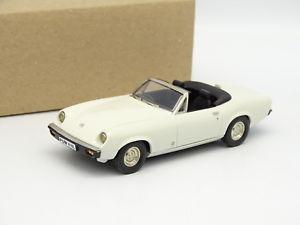 【送料無料】模型車 モデルカー スポーツカー サラブレッドモデルジェンセンヒーリーブランシュthoroughbred models sb 143 jensen healey mki 1973 blanche