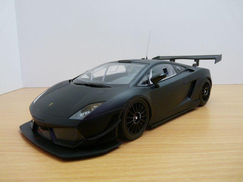 【送料無料】模型車 モデルカー スポーツカー ランボルギーニガヤルドグアテマラノワールマットlamborghini gallardo lp600 gt3 noir mat 2011 118