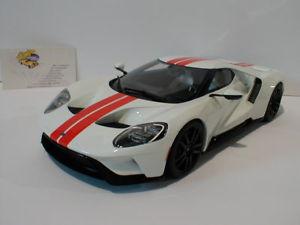 【送料無料】模型車 モデルカー スポーツカー グアテマラホワイトフォードスポーツカー