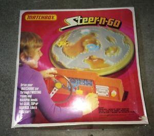 【送料無料】模型車 モデルカー スポーツカー ゴーマッチボックスcircuit pour petites voitures steerngo matchbox annes 70s
