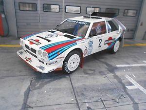 【送料無料】模型車 モデルカー スポーツカー ランチアデルタオリンパスラリー#マティーニネットワークlancia delta s4 grb rallye olympus sieger 1986 2 alen martini ixo altaya 118