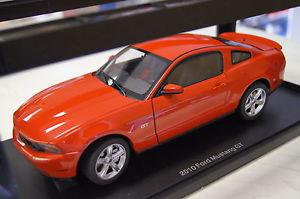 【送料無料】模型車 モデルカー スポーツカー フォードムスタングford mustang gt 2010 rot 118 autoart neu amp; ovp