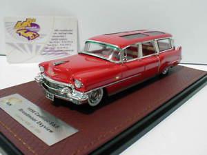 【送料無料】模型車 モデルカー スポーツカー レッドキャデラックスカイビューワゴンglm 120601 cadillac broadmoor skyview wagon baujahr 1956 in rot 143 neu