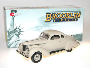 【送料無料】模型車 モデルカー スポーツカー クライスラーインペリアルシリーズクーペベージュbrooklin bml 05, 1938 chrysler imperial eight series c19 coupe, beige, 143