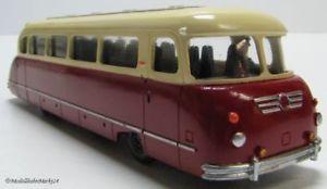 【送料無料】模型車 モデルカー スポーツカー クラウスバスモデルkraussmaffei kml 110 omnibus handarbeitsmodell rot