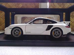 【送料無料】模型車 モデルカー スポーツカー ポルシェグアテマラporsche 911 997 gt2 rs autoart 118