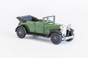 【送料無料】模型車 モデルカー スポーツカー steyr xxx grn 1929 143 43011 fahrtraum