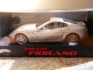 【送料無料】模型車 モデルカー スポーツカー エリートフェラーリelite 599 gtb fiorano ferrari 118
