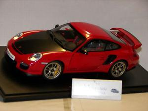 【送料無料】模型車 モデルカー スポーツカー ポルシェグアテマラporsche 911 997 gt 2 rs  autoart 118