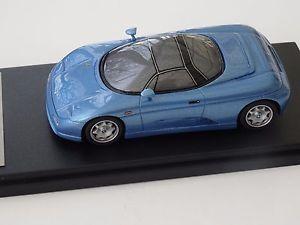 【送料無料】模型車 モデルカー スポーツカー モデルドプレゼンテーションalezan model 143 de tomaso guara maquette presentation 1994