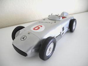 【送料無料】模型車 モデルカー スポーツカー ロッコフォーミュラレースカーmrklin 1102 mb w196 formel 1 rennwagen