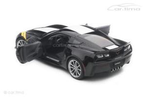 送料無料 模型車 モデルカー スポーツカー シボレーコルベットグランドスポーツブラックホワイトchevrolet Corvette C7 Grand Sport 2017 Schwarz Wei Autoart 118