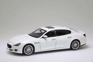 【送料無料】模型車 モデルカー スポーツカー マセラティマセラティクアトロポルテホワイトmaserati quattroporte gts 2015 white autoart 118 neuovp