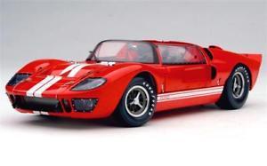 【送料無料】模型車 モデルカー スポーツカー フォードロードスターロッソford gt 40 mk ii roadster exoto rosso 118