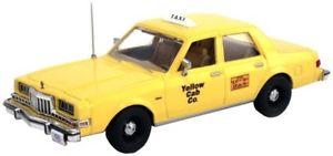 【送料無料】模型車 モデルカー スポーツカー イエローキャブタクシーダッジディプロマットスケールfirst response 143 yellow cab taxi dodge diplomat great for o scale trains