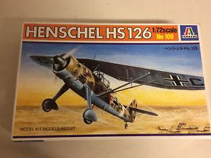 【送料無料】模型車 モデルカー スポーツカー スケールプラスチックモデルキットオープンボックスplastic model kit scale 1 72 italeri n 109 henschel hs 126 in open box