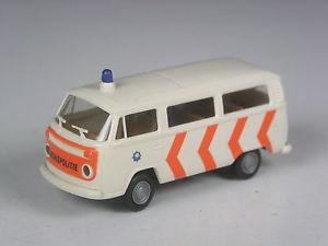 【送料無料】模型車 モデルカー スポーツカー selten brekina holland vw t2 bus rijkspolitie in ovp