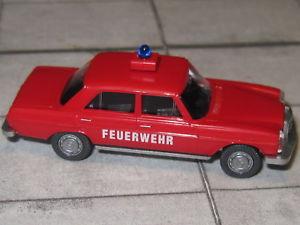 【送料無料】模型車 モデルカー スポーツカー ベンツリムジンwiking 0086140 mercerds benz mb 2008 limousine feuerwehr