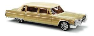 【送料無料】模型車 モデルカー スポーツカー ブッシュキャデラックリムジンブラウンbusch pkw cadillac 66 limousine braun 42955