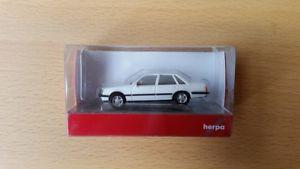 【送料無料】模型車 モデルカー スポーツカー オペルセネターホワイトherpa 028998 187 opel senator, wei neu