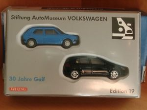 【送料無料】模型車 モデルカー スポーツカー wiking vw golf edition 19 30 jahre golf 2er set golf i v 187
