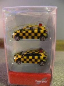 【送料無料】模型車 モデルカー スポーツカー トラッククラスピースセット1160 nspur herpa mb bklasse follow me 2er set