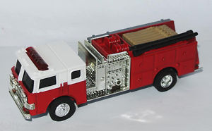 【送料無料】模型車 モデルカー スポーツカー アメリカertl fire pumper feuerwehr usa 164