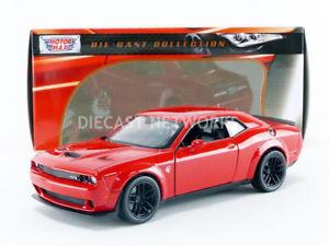 【送料無料】模型車 モデルカー スポーツカー ヒートダッジチャレンジャーmotormax 124 dodge challenger srt 2018 79350r