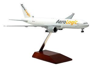 【送料無料】模型車 モデルカー スポーツカー ボーイングaerologic boeing 777200f 1200 b777 neu aero logic dhl limox wings ls10 fracht