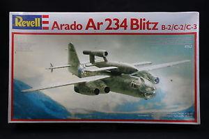 【送料無料】模型車 モデルカー スポーツカー フラッシュxp083 revell 172 maquette avion 4162 arado ar234 blitz b2c2c3