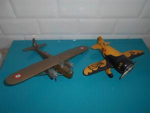 【送料無料】模型車 モデルカー スポーツカー ロット1111173 lot 2 avions maquettes montes gilmore nr536v potez 540