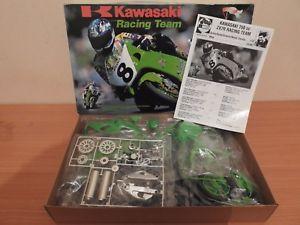 【送料無料】模型車 モデルカー スポーツカー レーシングチーム[maquette trs rare] 19 kawasaki zx7r 750 racing team protar