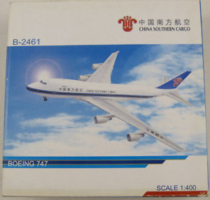 【送料無料】模型車 モデルカー スポーツカー ボーイング?boeing 747 china southern cargo b2461 5 stars 1400 in ovp [m6]
