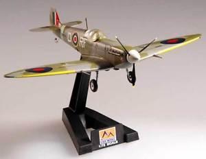 【送料無料】模型車 モデルカー スポーツカー モデルモデルスタンドeasy model spitfire mkvb raf 303 sqn 1942 fertigmodell 172 standfu neu ovp