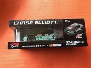 【送料無料】模型車 モデルカー スポーツカー アクションライオネルチェイスエリオット#マウンテンデューバハ2016 actionlionel chase elliott 24 mountain dew baja blast 124th nib