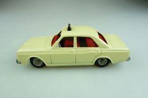 【送料無料】模型車 モデルカー スポーツカー ァーフォードタクシープレート