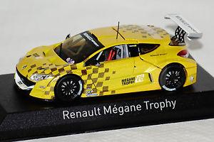 【送料無料】模型車 モデルカー スポーツカー ルノートロフィーショーカーイエローrenault mgane trophy 2011 show car gelb 143 norev neu amp; ovp 517714