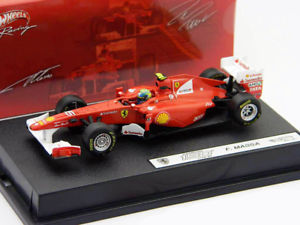 【送料無料】模型車 モデルカー スポーツカー イタリアマッサフェラーリフォーミュラfelippe massa ferrari 150th italia formel 1 2011 143 hotwheels