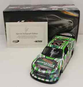 【送料無料】模型車 モデルカー スポーツカー エリックジョーンズ#サインerik jones 2015 20 interstate batteries autographed signed 124 car
